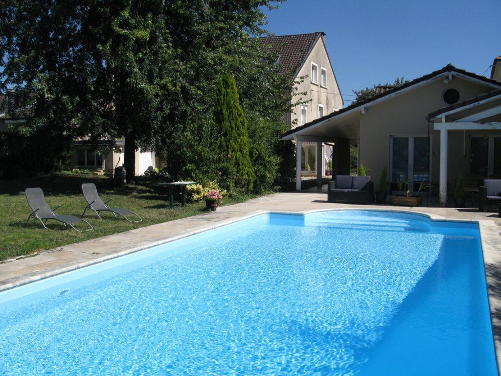 Hébergements à Metz Metz résidence La piscine