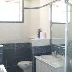 Hébergement Metz- grand gîte salle de bain douche baignoire